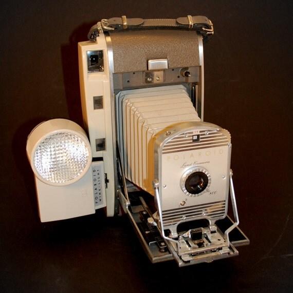 Model Land Movie: Beautiful Polaroid Model 800 Land Camera By