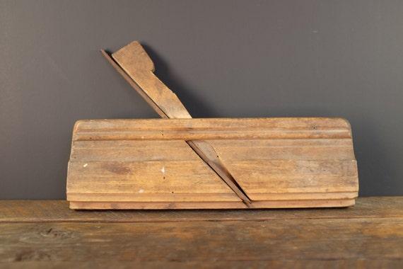rabot guillaume rabot en bois antique rabot feuillure. Black Bedroom Furniture Sets. Home Design Ideas