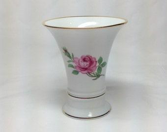 Vintage Forstenberg Porcelain West Germany Pink Rose Flower Gold Trim Fluted Bud Vase 2274