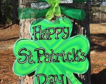 St. Patrick's Day door hanger,Clover hanger,St.Patrick;s wreath,Shamrock door hanger,wooden door hanger,popular door decor,trendy door decor