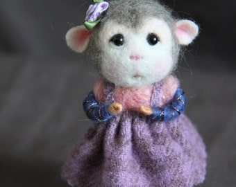 MADE TO ORDER~ Needle Felted Mouse Lily - Collectible soft sculpture