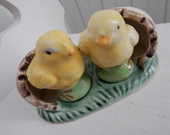 Hatching Yellow Spring Chicks Salt and Pepper Set - Soft Colors - Original Corks and Egg Tray - Hand Painted - Made in Japan - Easter Table