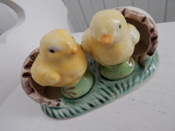 Chicks Salt and Pepper Set