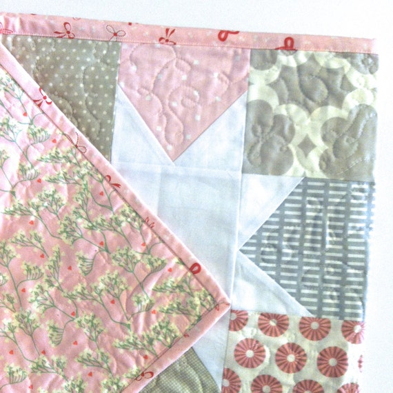Pink and grey stars quilt