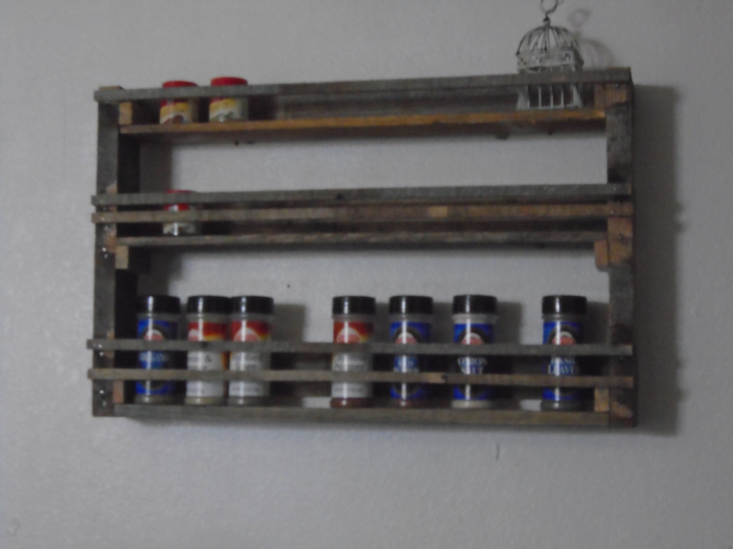 rustic wall mounted pallet wood spice rack 6718 by woodartworld. Black Bedroom Furniture Sets. Home Design Ideas