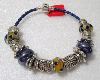717 - CLEARANCE - Dark Blue & Gold Beaded Bracelet