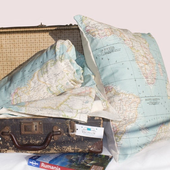 World Map - Set of 2 - Blanket and Cushion - map blanket - blue blanket - map bedding - throw blanket set - travel blanket - dorm decor
