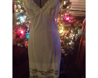 vintage Taylorcraft nightgown full slip nightie