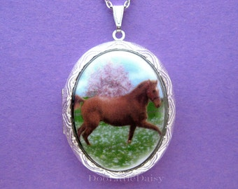 """Porcelain Brown SADDLEBRED HORSE Running in Meadow of Flowers Cameo Costume Jewelry Silvertone Locket Pendant Necklace Cameo with 24"""" Chain"""