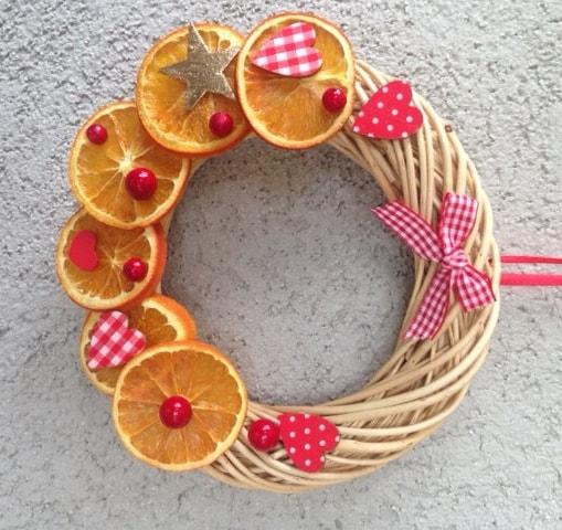 Ghirlanda natalizia fuoriporta corona natale decorazioni - Arance secche decorazione ...