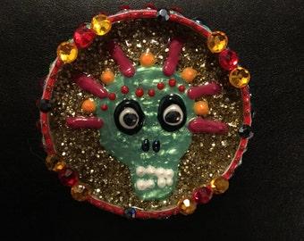 Fridge-Bling Jar top magnet glitter skull
