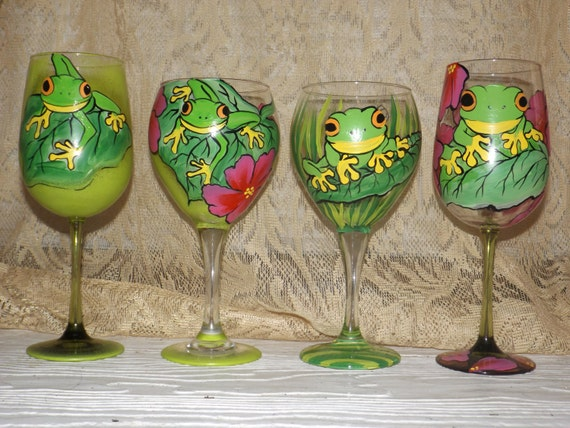 Hand painted amazon frog 20oz wine glasses unique creations for Cool wine glass designs