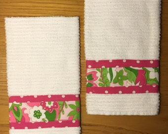 Set of 2 Hand Towels in Glittering Garden with Hot Pink Trim with White Polka dots
