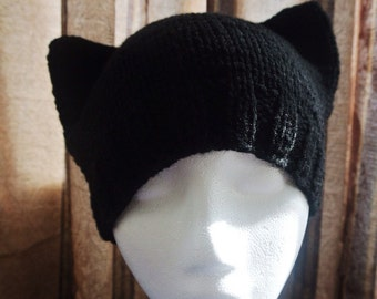 Knitted kitty beanie