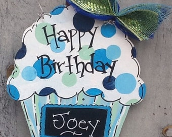 Chalkboard birthday cupcake, cupcake countdown sign, countdown sign, birthday sign, birthday door sign, birthday door hanger, celebration