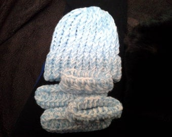 New Baby hat with matching booties