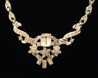 Vintage crystal necklace; silver rhinestone necklace