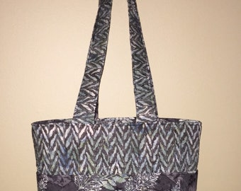 Reversible 6 Pocket Tote using Batik Fabric, Gray w/Green and Blue