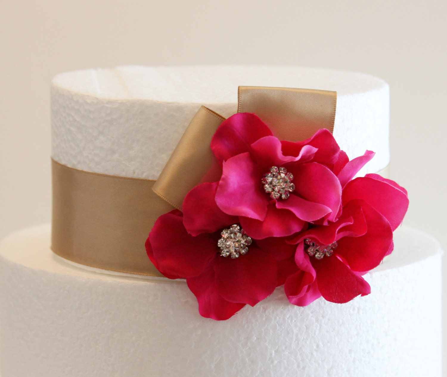 Hot Pink Wedding Cake Decorations Champagne and Hot by