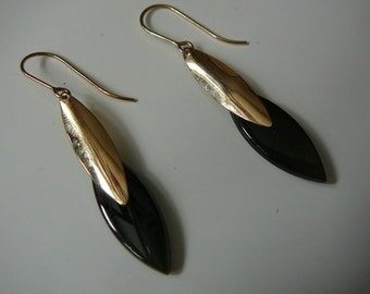 Onyx and 14K Yellow Gold Drop Earrings 1980s High Fashion KM Nabco
