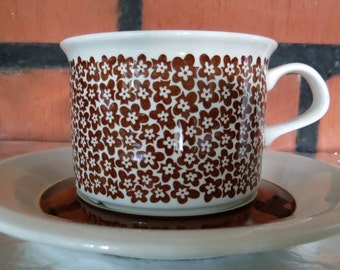 ARABIA OF FINLAND, Faenza , Vintage, Coffee Cup & Saucer, Very Good Condition