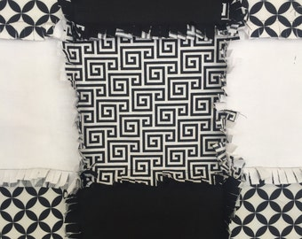 MADE TO ORDER-Black and White Rag Quilt