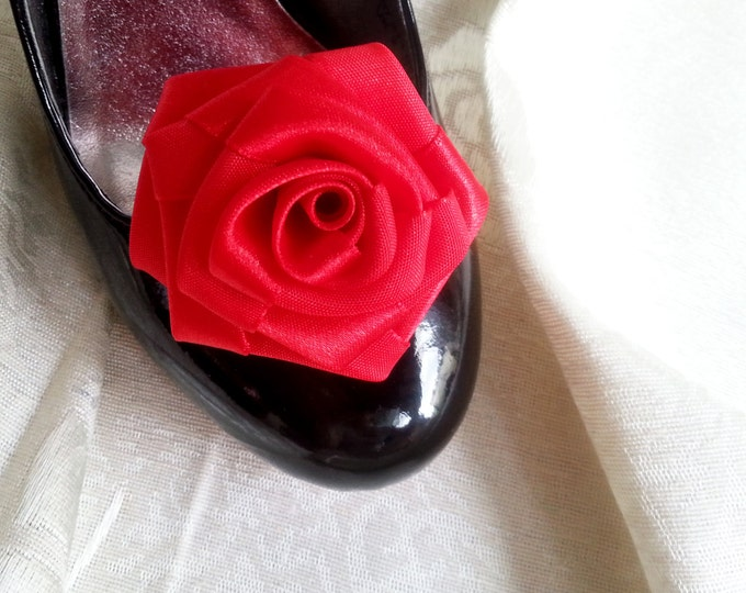 Handmade rose satin shoes clips in red wedding prom