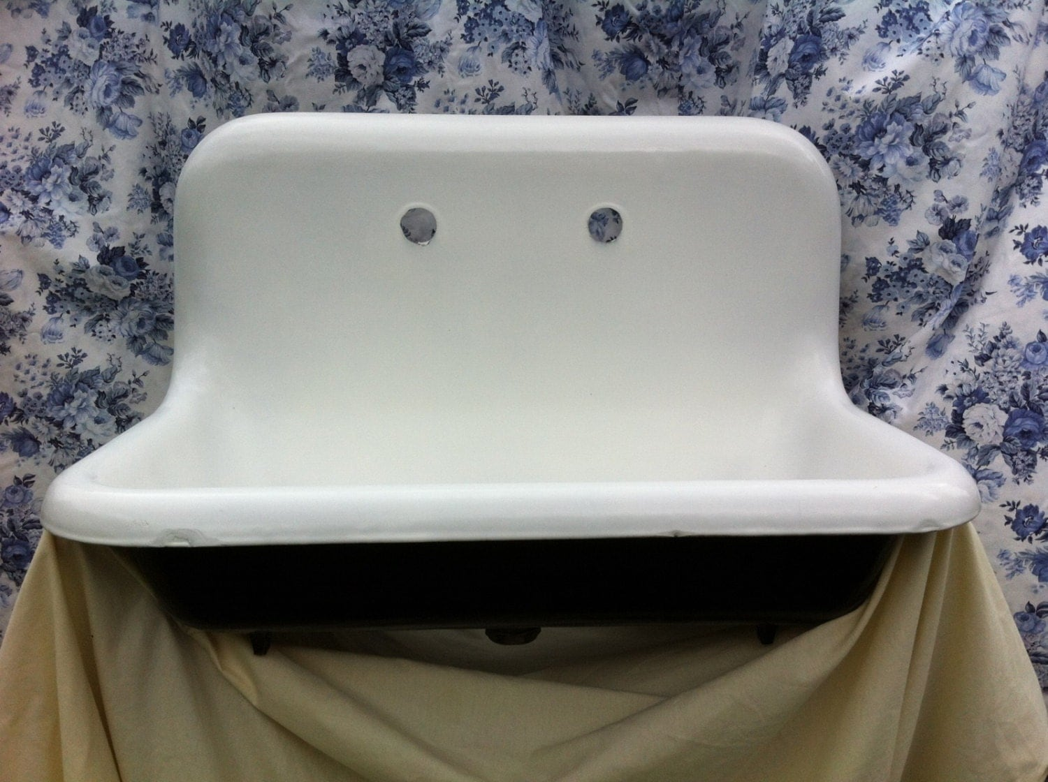 Antique Farm Farmhouse Sink Highback Rolled Lip by Almasfarmhouse