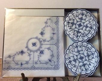 Box set of vintage blue and white paper napkins and coasters Freund Mayer Creation