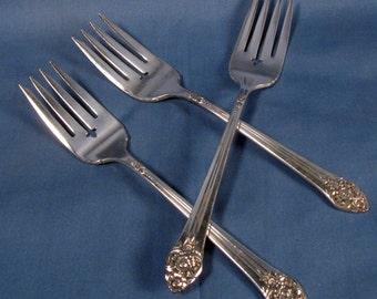 Vintage Silverplate Dessert/Salad Forks, Rodgers 1881 Oneida Ltd, Plantation Pattern - Set of Three
