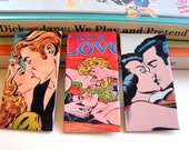 Paper Pin Set Romance Comic Book E - Men And Women Kissing Young Love On The Beach Handsome Men Sex Kiss - Medium Brooch Badge Set Of 3
