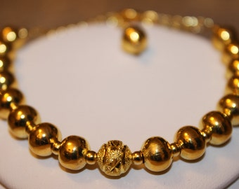 Gold-Plated Beaded Bracelet with Gold-Plated Spacers