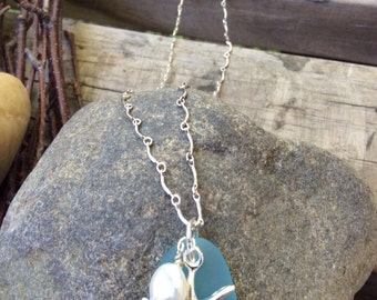 Sterling silver necklace w/recycled beach glass,pearl,and star fish pendant