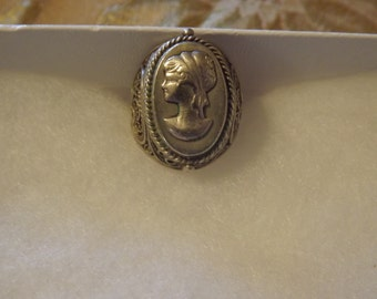 Vintage Cameo Left Facing Sterling Ring