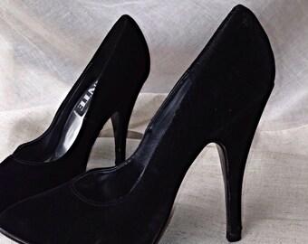 Velvet Jante Heels, Black Dress Heels, 1980's Modern Shoes