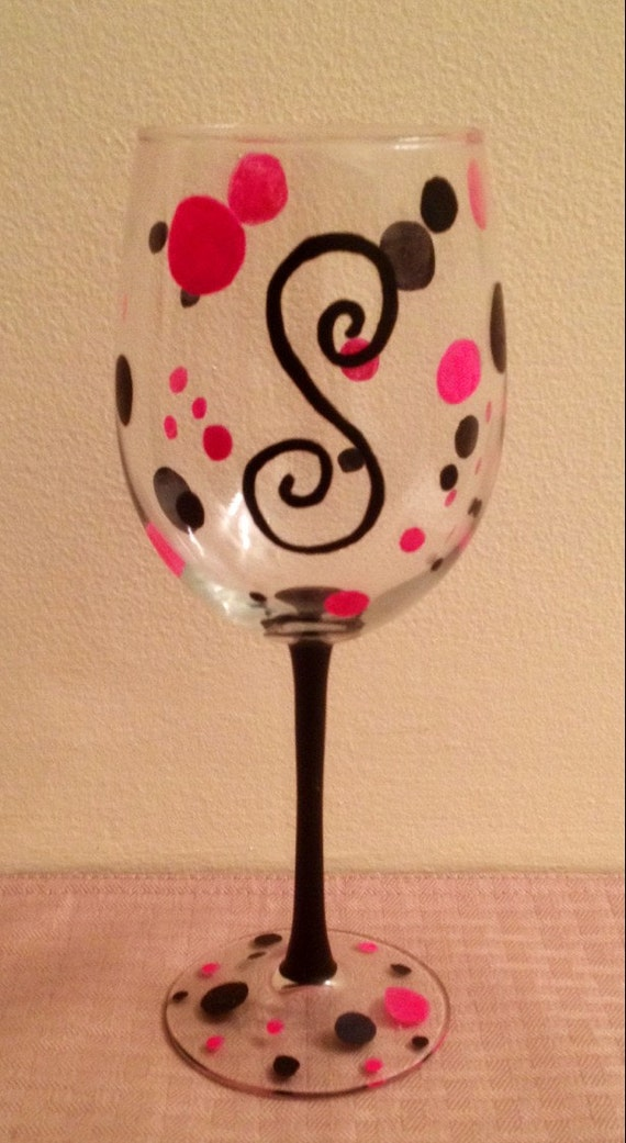 Personalized monogram wine glassnew great by for Painted wine glasses with initials