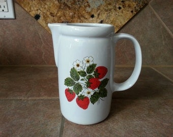 Vintage 1970's McCoy Pottery #1429 Strawberry Country Pitcher, 7 Inch Tall Pitcher 1 Quart Size, Excellent Unused Condition, Spring Fun