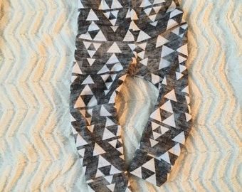 Aztec // Triangle // Organic Leggings // Neutral