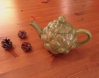 Adorable little artichoke teapot! Cottage-y and cute! Circa 1980s.