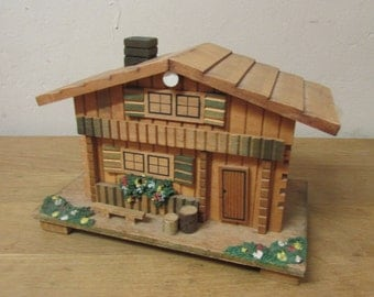 "Vintage Swiss Chalet musical trinket/jewellery box, ""Strangers in The Night"""