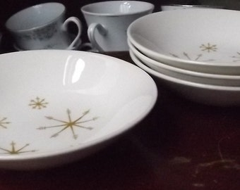 Star Glow Berry Bowls  pattern by Royal China mid century 1950 atomic snowflake