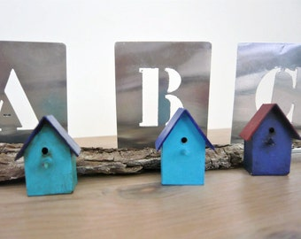 Miniature Birdhous. Dollshouse miniature. Miniature 1:12 birdhouses.Nice for the dollshouse garden.
