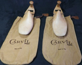 Wooden shoe-trees  for man shoes with 2 dust bags  | shoe size : 9 US / 8 UK / 26 Japon  | Label CARVIL Made in Italy vintage 1970
