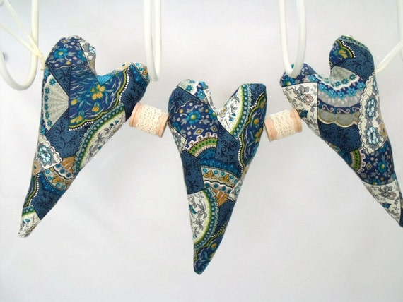 """fabric hanging heart garland, hanging decoration, wall decor, ditsy print decorative plush hearts with spools, 11"""""""