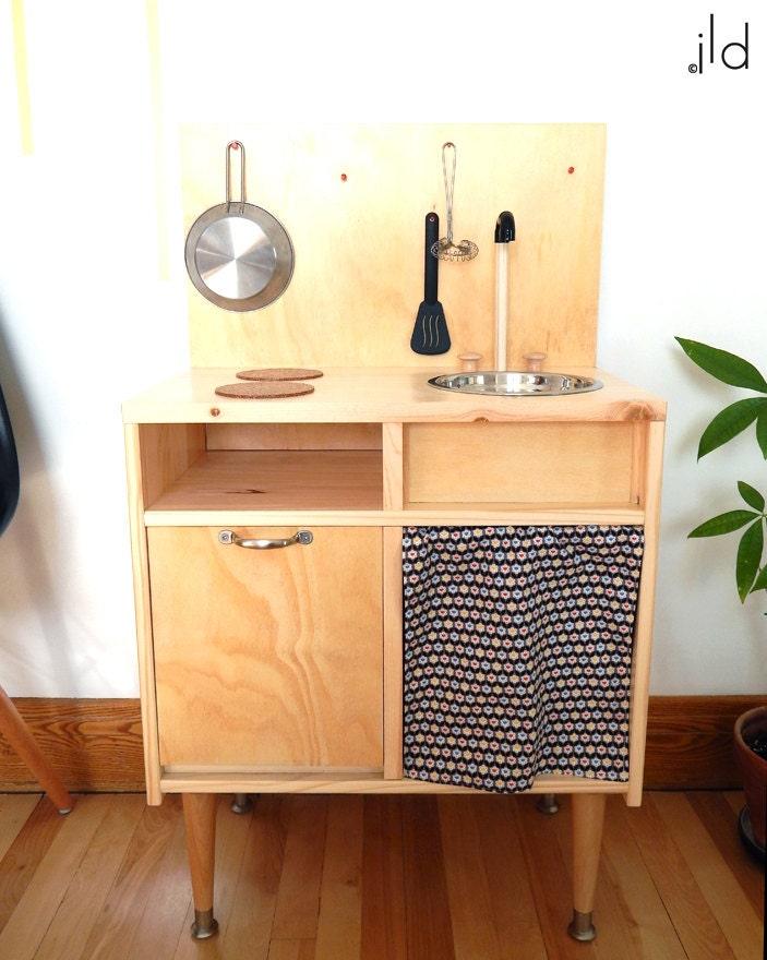 cuisinette bois. Black Bedroom Furniture Sets. Home Design Ideas