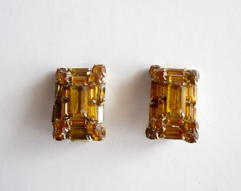 Amber Colored 1950s Clip On Earrings