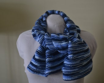 Large scarf in the shades of blue