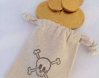 Pirate Party Favor Bags: Drawstring Pirate Party Bags, Muslin Pirate Goody Bags, Skull & Crossbone Treat Bags, Pirate Loot Bag