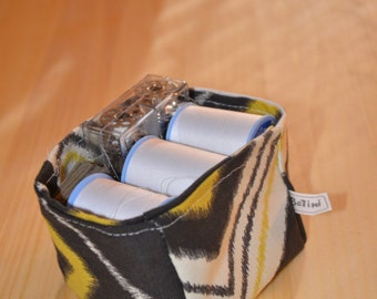 """Storage bags, collapsible, upholstery fabric cube shape, grey/pea green/white chevron  - small (3"""" x 3"""" x 3"""")"""