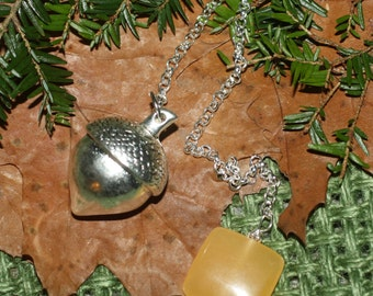 Acorn & Gemstone Pendulum - divination - Pagan, Wiccan, Witchcraft, pentacle